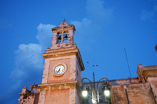 torre dell'orologio, viaggiare in puglia
